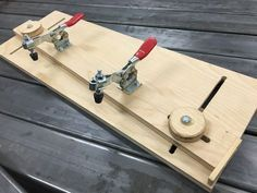 Every now and then I run into a cut that should be done with a tapering jig but since I've never had one, I generally get it done with some creative clamping. I finally ordered some toggle cl…