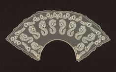 Net collar. American, 1825–30. Net with embroidery and linen bobbin lace - in the Museum of Fine Arts Boston.