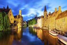 Bruges, na Bélgica. #casamento #DiadosNamorados #noivos #viagem #citybreak #Europa #Bruges