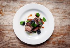 Valitsimme Lontoon parhaat gastropubit. Restaurants, Beef, Magazine, Drink, Travel, Food, Diners, Voyage, Beverage