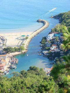 Canal da Barra da Lagoa - Florianópolis/SC/Brasil  Fotógrafo:Idalécio Santos   Trilha da Barra da Lagoa até a Praia Mole