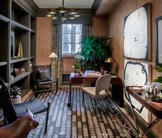 Holiday House — a decorator show home held annually on New York City's Upper East Side — Office by Ashley Darryl. Huge improvement over the prior green catastrophe and shows the viability of a small space office. Small Space Office, Small Spaces, Nyc Holidays, Crystal Chandelier Lighting, Upper East Side, Luxury Interior Design, House Design, Mansions, Art Nouveau