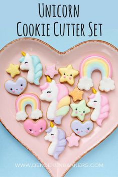These cookies are ADORABLE and would be perfect for a little girl's birthday party! Unicorns, rainbows, stars and hearts, oh my! #ad #unicorn #rainbow #cookies #etsyfinds #partyideas