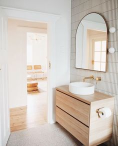 """Nood Co Concrete on Instagram: """"Who can image living and loving here? The result of good design and paired back material use. Hats off to @bungalow_on_seventh for this…"""" Bathroom Renos, Laundry In Bathroom, Small Bathroom, Washroom, Basin Design, Bathroom Interior Design, Bathroom Inspiration, House Design, Decoration"""