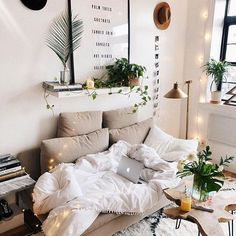 Sunday & rainy means napping all day.. ✨ #love #uohome #interior #nyc #Regram via @www.instagram.com/p/Bfn-o4LhNN4/?saved-by=ladyscorpio101