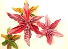 Etoile en pliage origami. Décoration de Noël