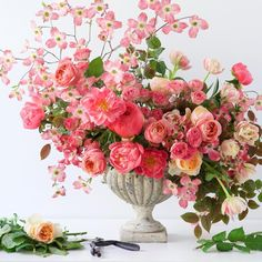Pink perfection from Tulipina, who has just unveiled video floral tutorials