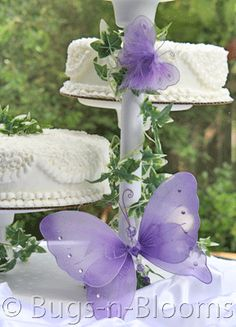 Create elegance and delight at a wedding that you will cherish for a lifetime with our gorgeous decor. Captivate and amaze all of your guests as the butterflies will be a gorgeous touch and a class of elegance to your wedding. Butterfly Table Decorations, Wedding Decorations, Wedding Ideas, Butterfly Wedding Cake, Purple Butterfly, Butterfly Baby Shower, Dream Cake, Second Weddings, Beautiful Butterflies