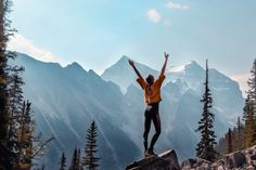 Full Guide on How to start hiking for begginers. Discover the benifits of hiking. Learn these crucial hiking tips for begginer before you go hiking. Meditation Stress, Immigration Au Canada, Massage Envy, Excursion, Backpacking Tips, Hiking Tips, Best Places To Live, Best Apps, Angst