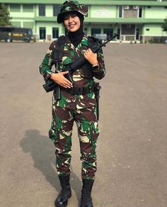 Army Police, Indonesian Girls, Female Soldier, Military Girl, Military Women, Girls Uniforms, Indian Army, Instagram Girls, Beautiful Hijab