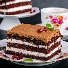 Gâteau au chocolat à la crème chantilly