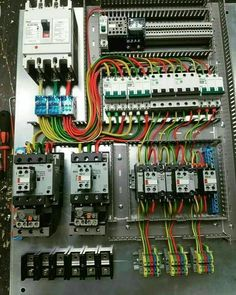 Electrical Wiring Colours, Electrical Circuit Diagram, Electrical Wiring Diagram, Cctv Camera Installation, Electrical Installation, Electrical Projects, Electrical Engineering, Off Grid System, Electronics Basics