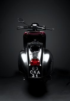 #TwoWheelTuesday #VintageScooters #ScootyPuffJr #ItalianStyle 1963 Vespa GT125  -  Roller-aus-Blech de - Google+