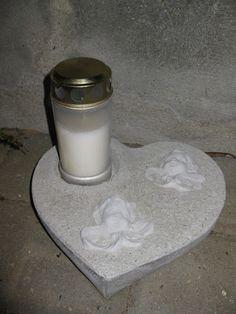 Alle mine betonprodukter er rustikke og unikke.         D. 25.07.2016 Bordlamper af beton med lyskæde. Kr. 75,- / stk.        D. 20.07.20...