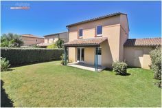 Exclusivité à BEAUZELLE, au calme absolu et en excellent état, belles prestations pour cette Maison T4 de 2009 avec jardin piscinable. Renseignements et visites au 0659365939 Location, Mansions, House Styles, Home Decor, Real Estate Office, Calm, Decoration Home, Room Decor, Fancy Houses
