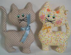 gatos de tela para el cuarto de los niños