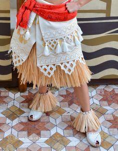 Resultado de imagen para stencil for moana skirt Moana Costume Diy, Moana Cosplay, Disney Costumes, Halloween Costumes, Halloween 2017, Diy Dress, Dress Up, Moana Birthday Party, Moana Party