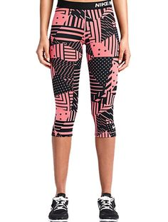 Taylor Swift's Sporty Weekend Look | Nike Pro Printed Capris