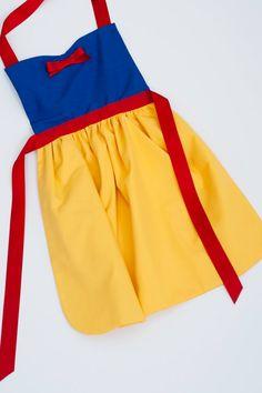 vestido de princesa blanca Nieves delantal 3 por SimplyRoyalDress, $24.00