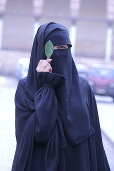Musa Akkaya, Has olan tesettür Hijab Niqab, Muslim Hijab, Mode Hijab, Arab Girls Hijab, Muslim Girls, Beautiful Muslim Women, Beautiful Hijab, Hijabi Girl, Girl Hijab