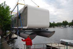 Floating micro-house / prefab / contemporary / energy-efficient - WATERCOODO - Coodo