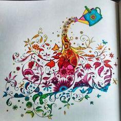 Johanna Basford | Picture by Sandra Ram�rez | Colouring Gallery