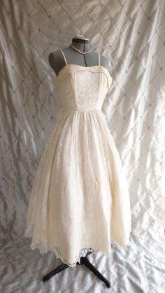 50s Dress // 50s Wedding Dress // Vintage 1950s by ChiffonLounge