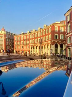 Nice, place Masséna  #nice06 #cotedazurfrance #cotedazur #frenchriviera #photo #photography Promenade Des Anglais, Nice Ville, Nice France, Travel Guides, Travel Tips, Europe Destinations, Montpellier, French Riviera, France Travel