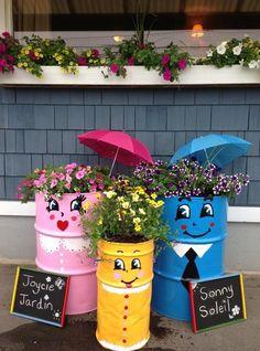 Happy DIY garden ideas with old barrels – Garden Projects Flower Pot Crafts, Flower Pots, Garden Crafts, Garden Projects, Barrel Garden Ideas, Painted Trash Cans, Pinterest Diy Crafts, Fleurs Diy, Recycled Garden