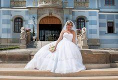 Najkrajšie svadobné šaty v Rimavskej Sobote One Shoulder Wedding Dress, Wedding Dresses, Fashion, Alon Livne Wedding Dresses, Fashion Styles, Weeding Dresses, Wedding Dress, Wedding Dressses, Fashion Illustrations