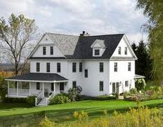 Cool old farm house! Cool old farm house! Cool old farm house! Old Home Renovation, Old Home Remodel, Farmhouse Renovation, Farmhouse Remodel, Style At Home, Future House, Casas Containers, Old Farm Houses, Farmhouse Style