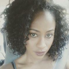 Freetress Aruba curl 1B cut in half