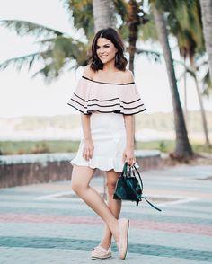 Fim de tarde combina com looks leves né?! Ameeei esse look da @labellezzabrasil  combinando minhas tendências preferidas!  #rafinhagadelha #ootd #look ph: @igoormelo
