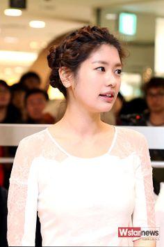 Asian Actors, Korean Actresses, Korean Actors, Actors & Actresses, Hwang Jin Uk, Jun So Min, Korean Celebrities, Korean Beauty, Korean Drama