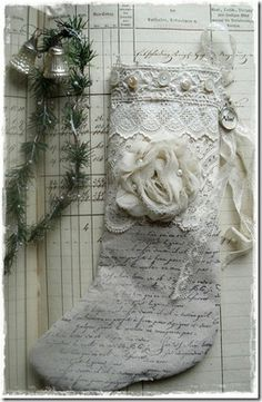 INSPIRATION: Victorian shabby chic Christmas stocking - a French script stamped on a stocking made from drop cloth Victorian Christmas, Christmas Love, Vintage Christmas, Christmas Holidays, Christmas Crafts, Christmas Ideas, Christmas Wishes, Beautiful Christmas, Shabby Chic Wall Decor