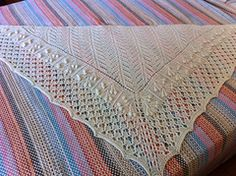 Ravelry: Ouro Preto Shawl KAL pattern by Aloisio santos free dk and designed by a man all the things we love!!
