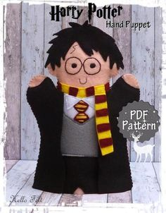 PDF Pattern Felt Harry Potter Hand Puppet Instant by HelloFelt Glove Puppets, Felt Puppets, Puppets For Kids, Felt Finger Puppets, Puppet Toys, Puppet Crafts, Puppet Patterns, Sewing Patterns, Harry Potter Puppets
