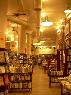 housing works bookstore - review