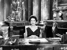 Queen Elizabeth II Christmas Broadcast 1961 I was 7 days old :) Hm The Queen, Her Majesty The Queen, Young Queen Elizabeth, English Royal Family, British Family, Royal Christmas, Christmas Ideas, Royal Life, Royal House