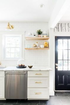 White and Gold KItchen with Stacked Wooden Floating Shelves - Contemporary - Kitchen White Kitchen Cabinets, Kitchen Cabinet Design, Kitchen Shelves, Shaker Cabinets, Floors Kitchen, Kitchen White, Dark Cabinets, Kitchen Layout, Classic Kitchen