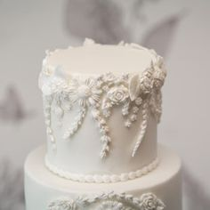 Wedding cakes - Very impressive wedding cake information. Want for additional superb ideas, pop to the pinned image now. White Wedding Cakes, Elegant Wedding Cakes, Beautiful Wedding Cakes, Gorgeous Cakes, Wedding Cake Designs, Pretty Cakes, Amazing Cakes, Fancy Cakes, Mini Cakes