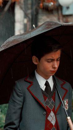 Luther, Pretty Boys, Cute Boys, Coeur Gif, Funny Umbrella, Under My Umbrella, Number 5, Hot Actors, Film Serie