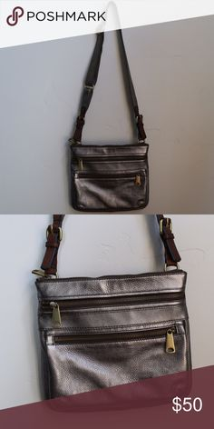 Fossil purse This purse was never used and is in perfect condition! Love the zipper detail and the metallic leather. Fossil Bags Crossbody Bags