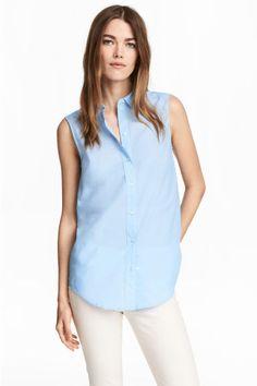 Sleeveless blouse Model