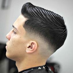 Low Bald Fade with Side Part - Best Short Haircuts For Men: Cool Short Men's Hairstyles - Short Hair Guys Low Fade Comb Over, Comb Over Fade Haircut, Low Fade Haircut, Short Haircut Styles, Best Short Haircuts, Haircuts For Men, 2018 Haircuts, Medium Hair Styles, Curly Hair Styles