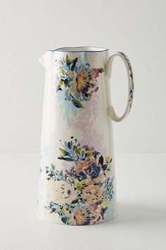 kitchen collection Demure, handpainted florals elevate this classic collection that's worthy of contemporary and traditional kitchens alike. Ceramic Pottery, Ceramic Art, Slab Pottery, Thrown Pottery, Ceramic Bowls, Anthropologie, Keramik Design, Kitchen Collection, Kitchen Essentials