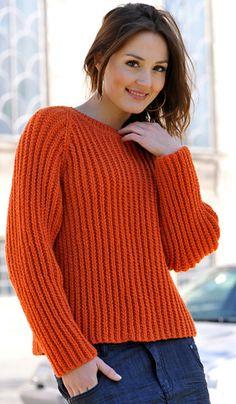 Den varme, orange farve liver op på en grå dag – og sweateren i patentlook bliver en uundværlig del af din vinter-garderobe