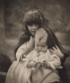 An image of Untitled (Children of the artist) by Harold Cazneaux