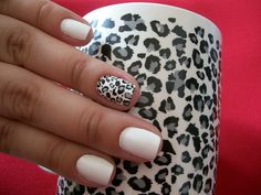 gray cheetah accent nail