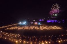 If you are thinking about visiting Edinburgh on New Year's Eve check out our guide to the Hogmanay Party and the Edinburgh Christmas Market. Edinburgh Christmas Market, Visit Edinburgh, Edinburgh Castle, London Pictures, Real People, New Years Eve, Bangs, Backdrops, Entertaining